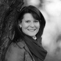 Anne-Marie Anderson - LinkedIn B&W